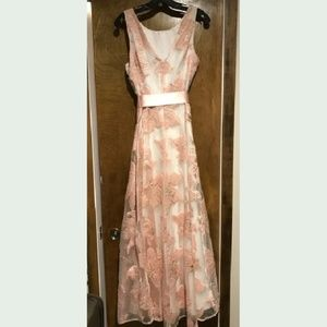 Tahari Sleeveless Embroidered Peach Dress, NWT
